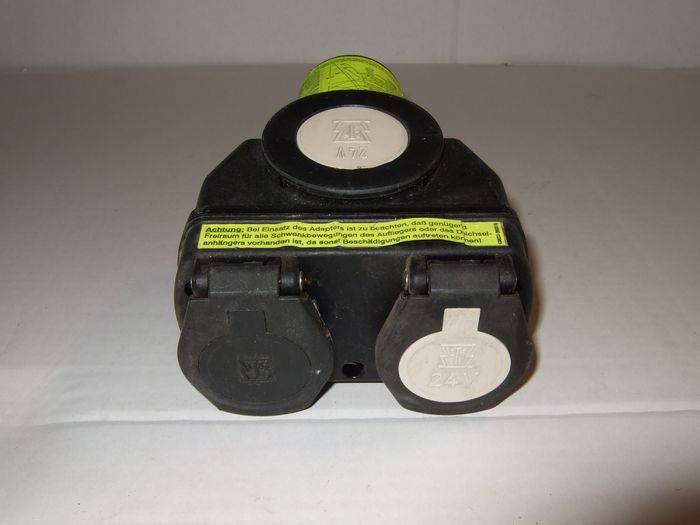 Adapter- Kurzadapter 24V, 15-auf N & S Stecker