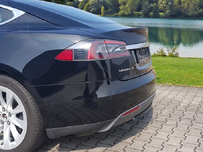Anhängerkupplung Tesla Model S nur für Heckträgerbetrieb, Baureihe 2012-2016  vertikal
