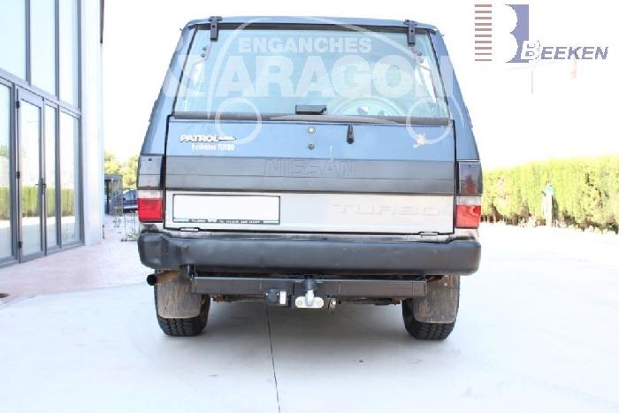Anhängerkupplung für Nissan-Patrol 160, 260, 743, Baureihe 1980-1987  feststehend