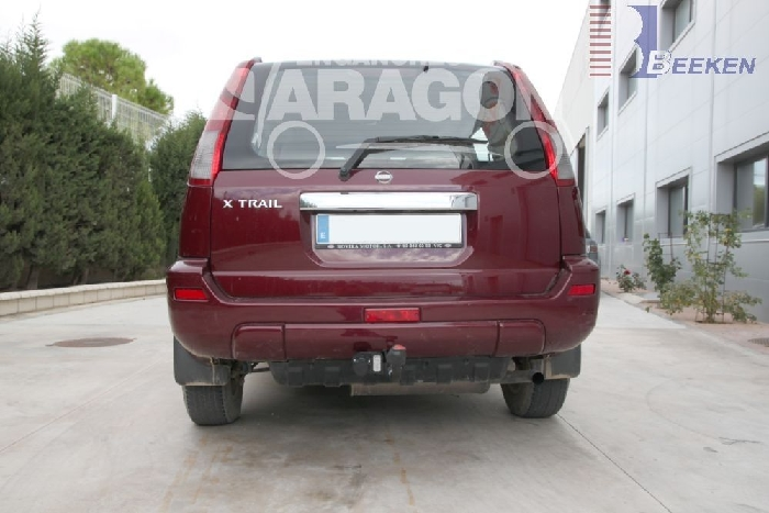 Anhängerkupplung Nissan-X-Trail, Baureihe 2002-2007,  Ausf.:  feststehend