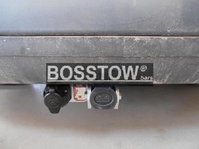 Anhängerkupplung Peugeot-5008 spez. Diesel mit adblue Tank, Baureihe 2009-2017 Ausf.:  horizontal