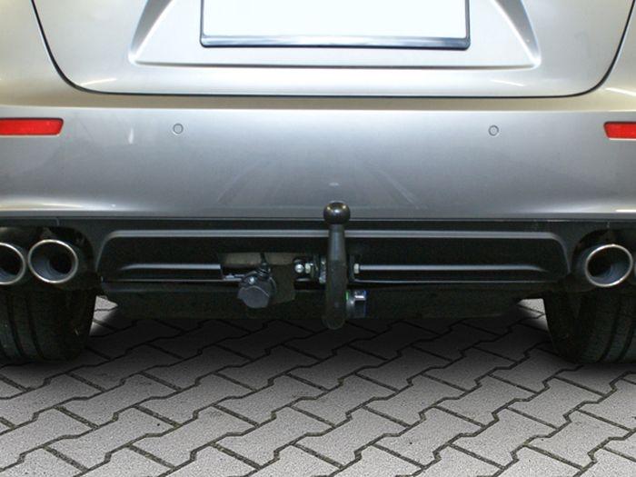 Anhängerkupplung für Maserati-Ghibli zur Verwendung v. Heckrägern, Baureihe 2017-  vertikal