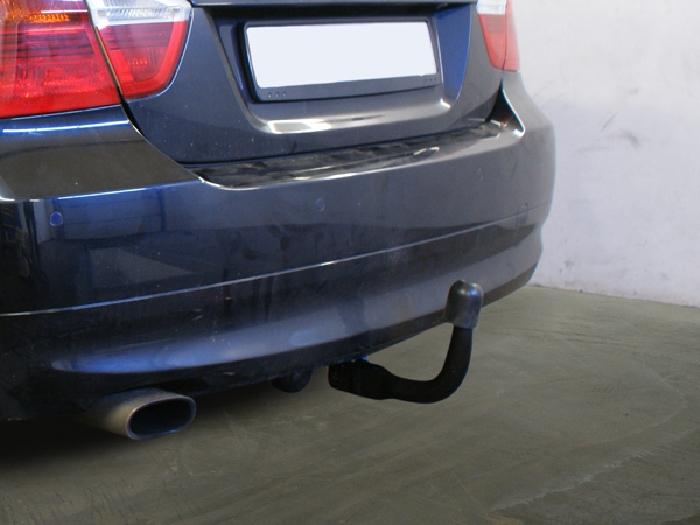 Anhängerkupplung für BMW-3er Limousine E90, Baureihe 2010-  vertikal