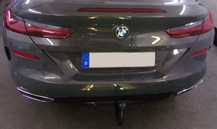 Anhängerkupplung BMW 8er G14 Cabrio, nur für Heckträgerbetrieb, Montage nur bei uns im Haus, Baureihe 2019-  vertikal