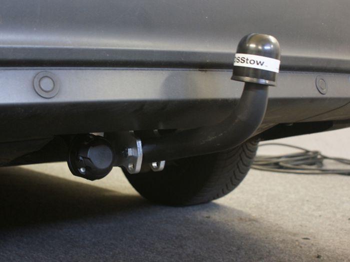 Anhängerkupplung für Ford-Focus Kombi, nicht RS, Baureihe 2011-2018  feststehend