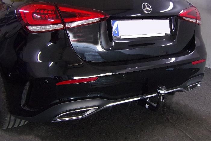 Anhängerkupplung Mercedes A-Klasse V177 Limousine, spez. AMG-Line, Baureihe 2018-  vertikal