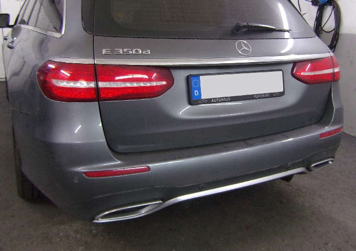 Anhängerkupplung Mercedes E-Klasse Kombi W 213, spez. m. AMG Sport o. Styling Paket, Baureihe 2016-  vertikal