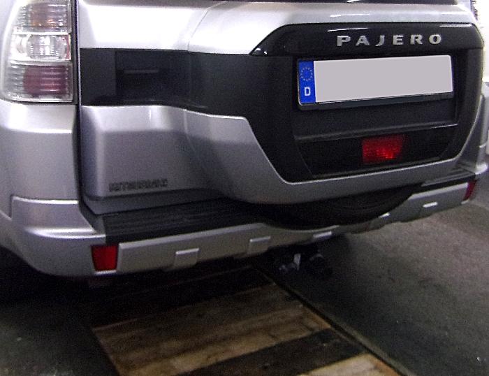 Anhängerkupplung Mitsubishi Pajero V80, langer Radstand, Baureihe 2007-  horizontal