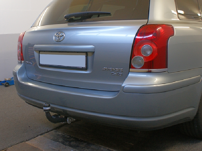 Für Toyota Avensis II T25 Kombi Anhängerkupplung starr ABE