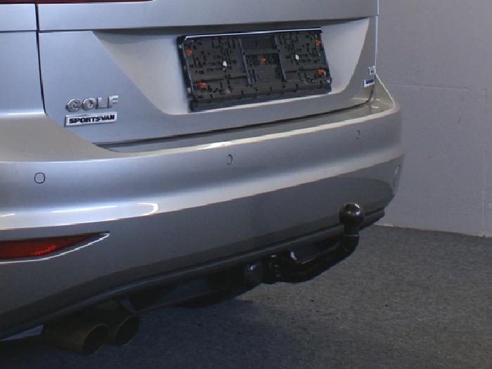 Anhängerkupplung für VW-Golf VII Sportsvan, Baureihe 2013-2018  vertikal
