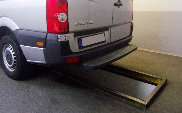 Anhängerkupplung VW-Crafter 30-35, Kasten, Radstd. 3665mm, Fzg. mit Trittbrettst., Baureihe 2006-2017 Ausf.:  feststehend