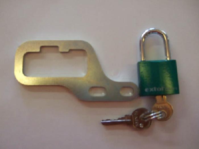 Schlüssel mit Schloß für BOSStowbars silber-horiz. abnehmbar System